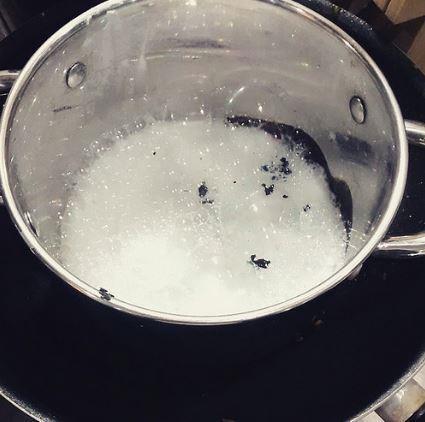 baking soda and vinegar method